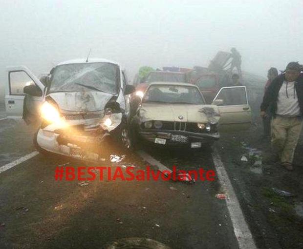 Accidente multiple en Pasamayo deja 5 heridos