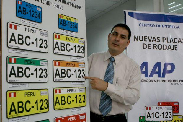 Cómo-cambiar-placas-en-Perú