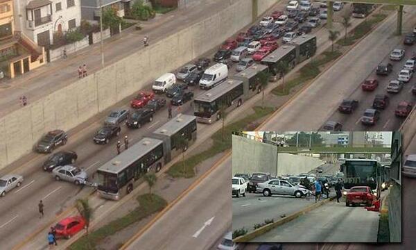 metro18 - vía @homerosanchez37, accidente bloquea la ruta de los metropolitanos